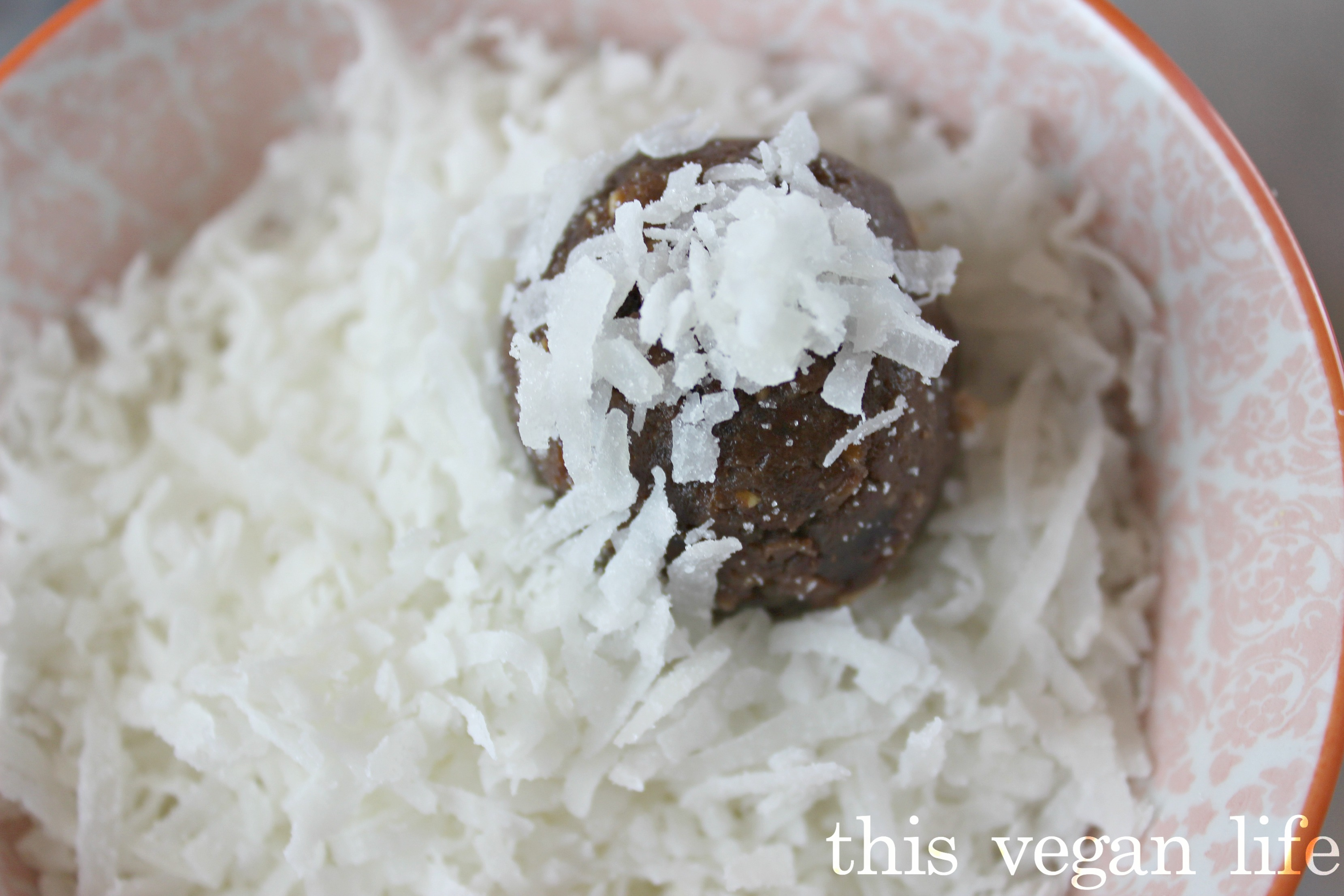 coconut-bowl-maca